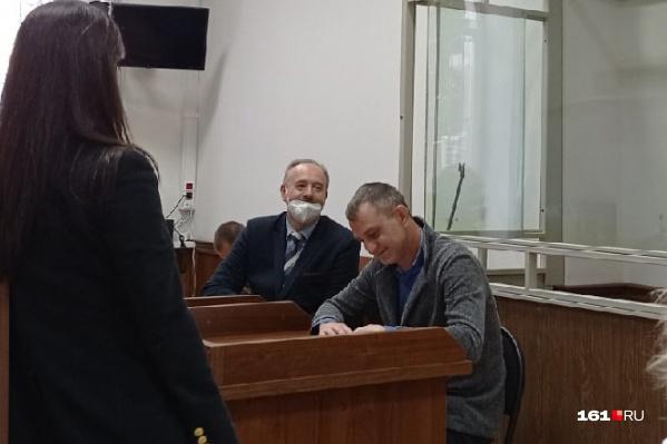 Игорь Хорошилов (справа) и его защитник Евгений Беркович