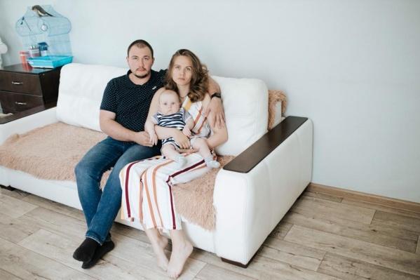 Беспокойство за здоровье сына у родителей появилось, когда Саше было 2 месяца