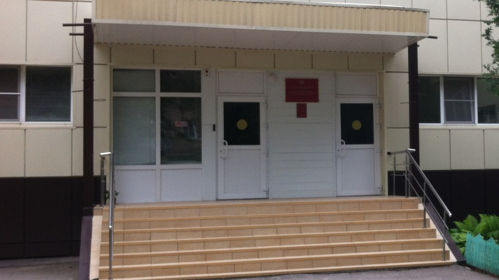 «Хотели создать запас»: в Волгограде отчитались о работе школы, попросившей помощи в покупке масок и перчаток