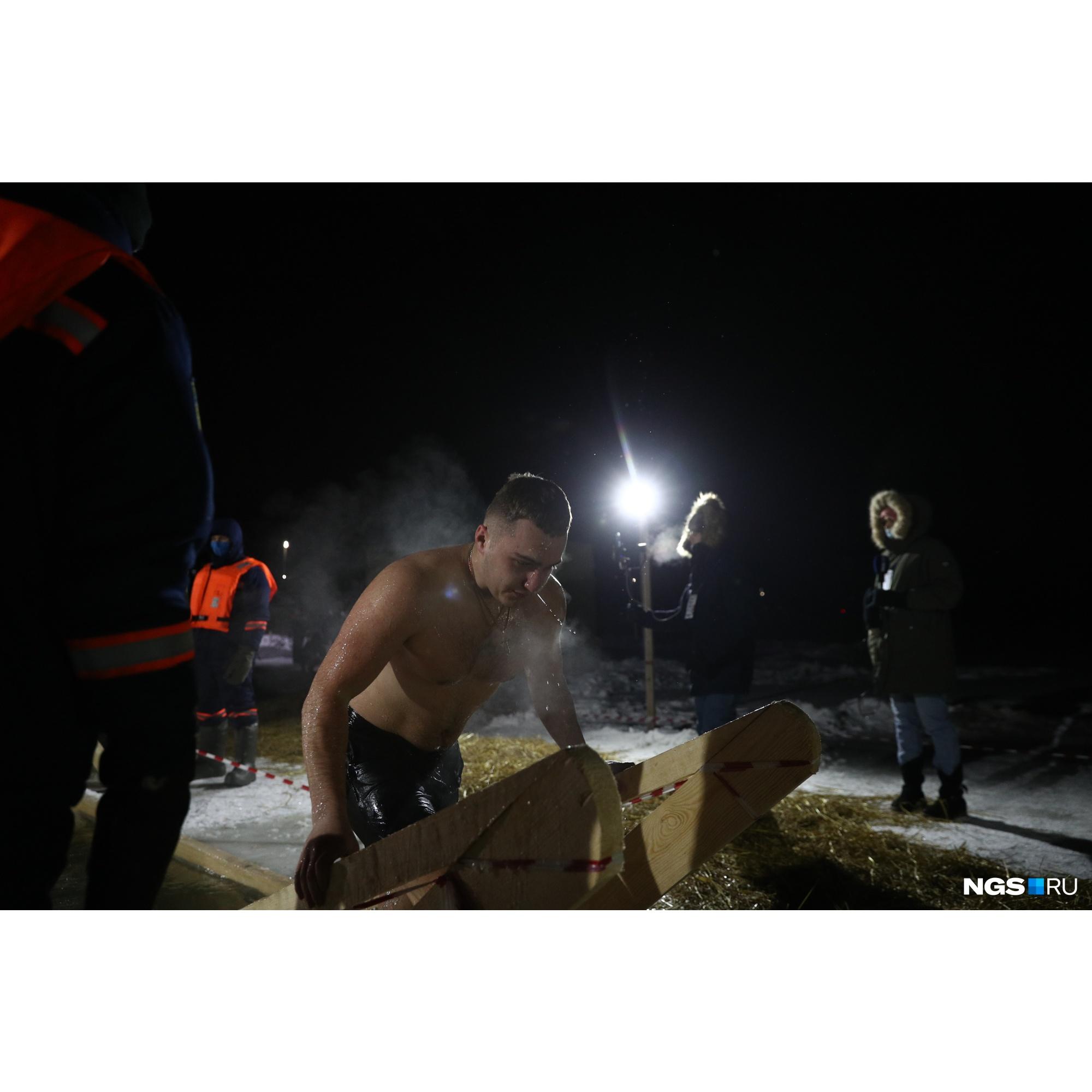 """Многие признавались, что сегодня ночью достаточно тепло. В настоящие крещенские морозы под <nobr class=""""_"""">-30... -35</nobr> градусов было бы совсем тяжко"""