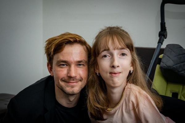 Аня впервые побывала на спектакле и встретилась с Александром Петровым