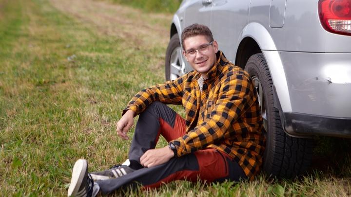 «В Грозном нас остановил мужик с автоматом»: красноярский фотограф проехал от Сибири до Кавказа