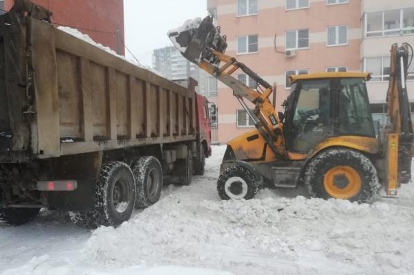 Стоимость вывоза снега складывается из нескольких статей