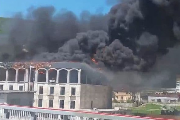 В Сочи произошел крупный пожар в строящемся элитном жилом комплексе