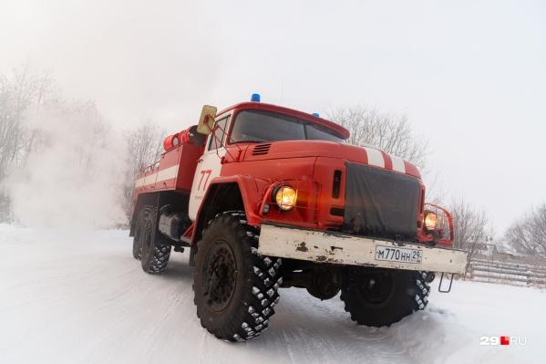 В тушении пожара задействовали 5 машин