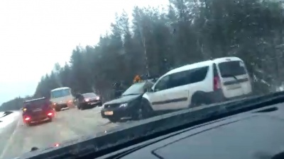 Разбило лицо подушкой безопасности: в аварии под Плесецком пострадали три человека