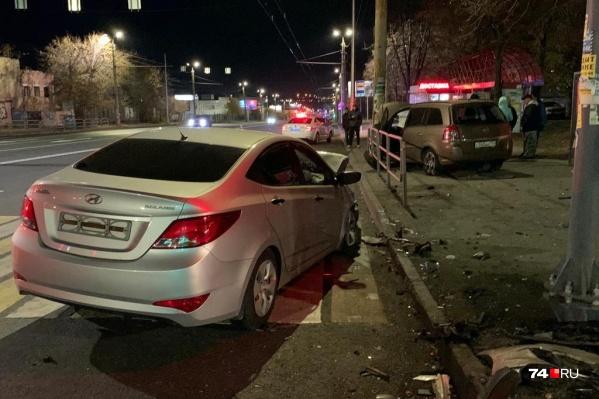 В аварию попали Hyundai и Opel