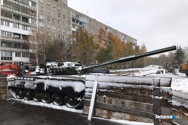 Когда Т-80 вернут на место — неизвестно