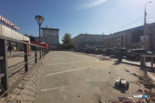 Платная парковка появится напротив магазина «Универсам» и недалеко от кинотеатра «Победа»