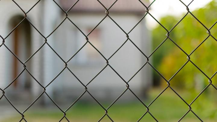 Волгоградцам рассказали, как защитить имущество от краж и пожаров в летний период