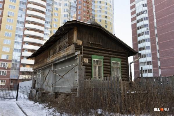 Реновация приводит к появлению вот таких домов-обрубков — уверен Всеволод Орешкин