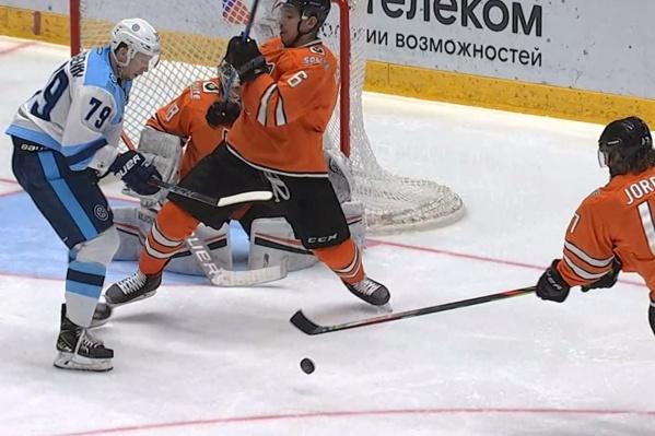 Сейчас «Сибирь» располагается на 9-й строчке турнирной таблицы восточной конференции КХЛ