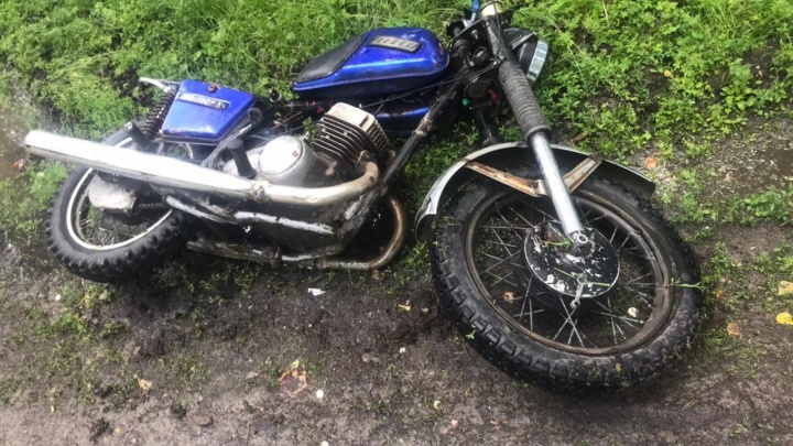 В Новосибирской области разбились два молодых мотоциклиста