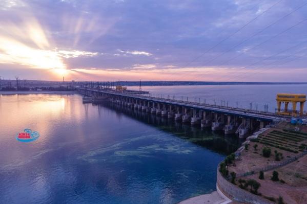 Ставшие уже почти родными для волжан и волгоградцев пробки должны исчезнуть с открытием моста