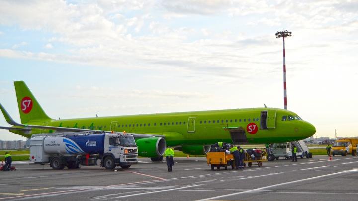 В Омске сели 6 самолетов из-за тумана в Новосибирске и Томске