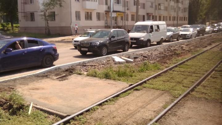 Перекрытие Ново-Садовой спровоцировало транспортный коллапс