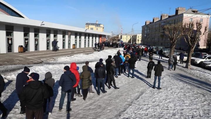 Вот это очереди: фанаты ХК«Енисей» раскупили билеты на финальную игру за час