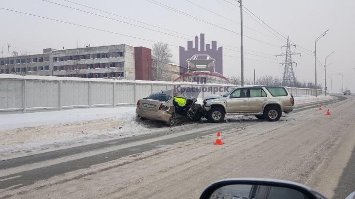Девушка за рулем «Поло» погубила пассажира в лобовом столкновении в центре Красноярска