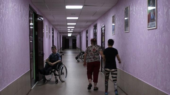 В Омске детский дом-интернат возглавил экс-главврач МСЧ №7. На прежнего директора возбудили дело