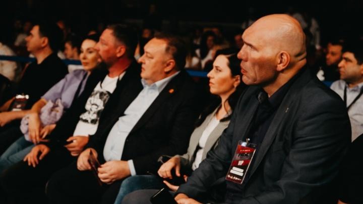 Николай Валуев поделился впечатлениями от зрелищного турнира ММА в Челябинске