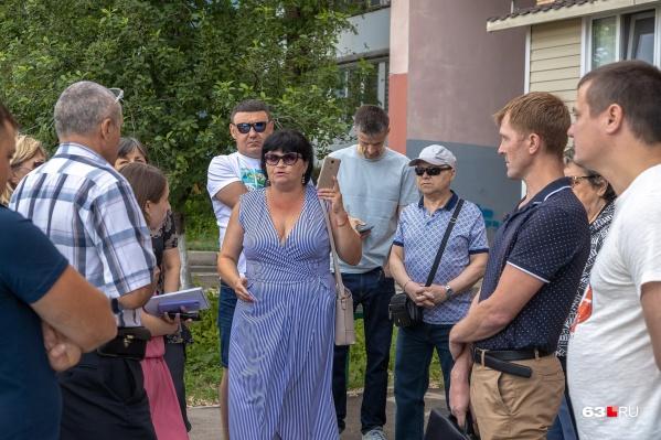 Жители вышли на собрание, чтобы выразить свое недовольство