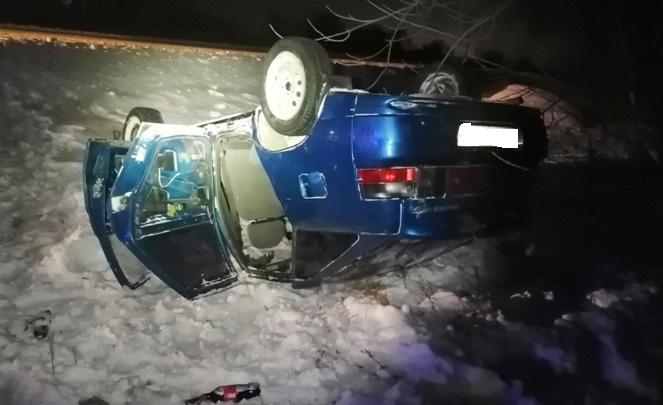 «Оба авто в кювете»: на трассе под Самарой ВАЗ-2114 врезался в ВАЗ-2112
