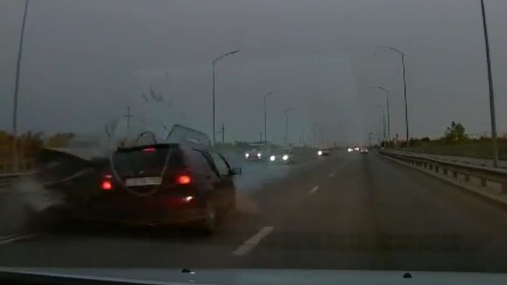 Смертельная авария на шоссе Авиаторов в Волгограде попала на камеру видеорегистратора