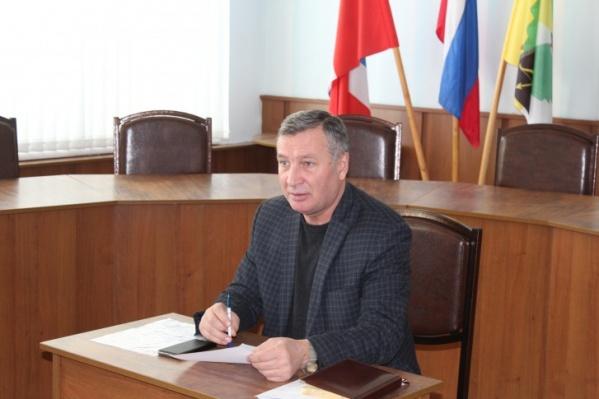 До окончания текущего срока работы на посту главы района Александру Милашенко оставалось еще целых два года