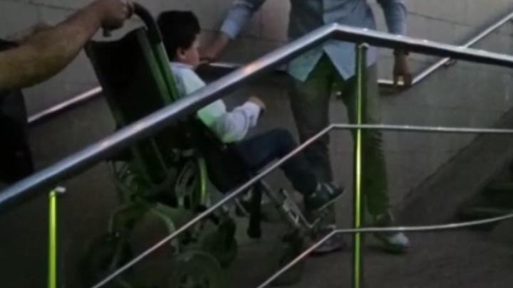 Чиновники попытались оправдаться после падения женщины и ее сына-инвалида в подземном переходе в Уфе