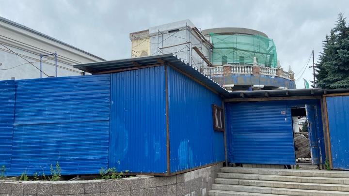 Власти планируют закончить реконструкцию новокузнецкого «Коммунара» в декабре