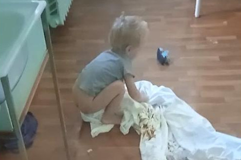 Мама ушла в загул: всё, что известно о судьбе запертого в палате волгоградской больницы мальчика