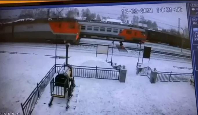 Дежурный по станции предупреждал о поезде: в СвЖД рассказали подробности трагедии в Билимбае