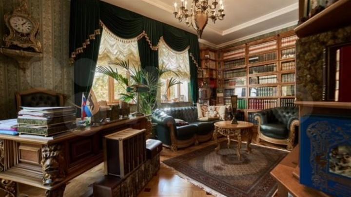 В Сургуте выставили на продажу сразу три дома стоимостью около 45 миллионов рублей каждый