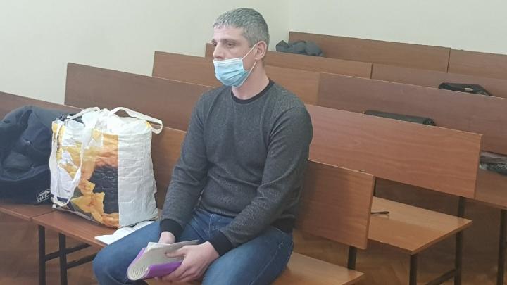 «Выпил водки, сел за руль и убил нашего ребенка»: в Омске судят водителя, сбившего школьницу