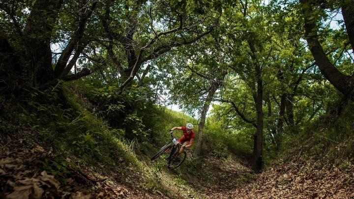 «Это был первый полноценный старт»: более 40 волгоградцев покорили бездорожье на велосипедах