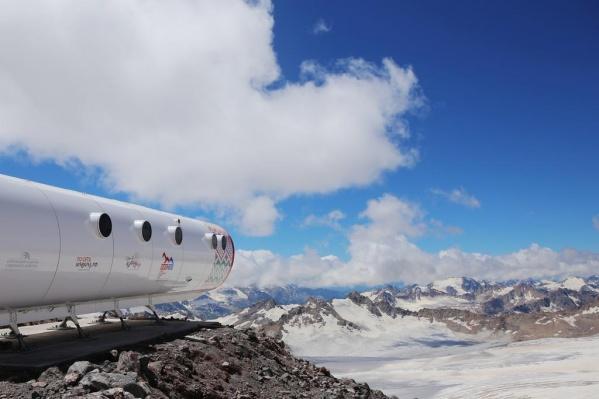 """Каждый год десятки альпинистов и туристов штурмуют склоны <nobr class=""""_"""">Эльбруса —</nobr> его называют жемчужиной Кавказа"""