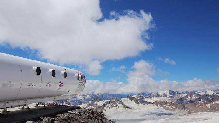 Спасатели несколько часов спускали с Эльбруса туристку из Минусинска — сорвалась с высоты