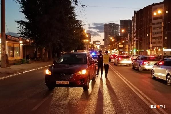 В аварии пострадала 42-летняя женщина, с места ДТП ее увезли в больницу на скорой помощи