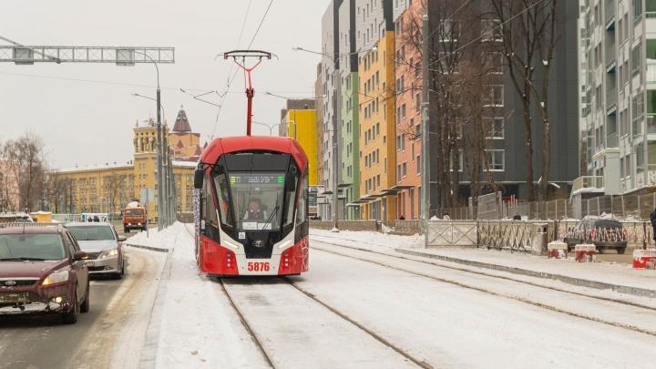 В Перми по улице Революции пустили трамваи. Сейчас ходит маршрут №11, позже начнет курсировать №6