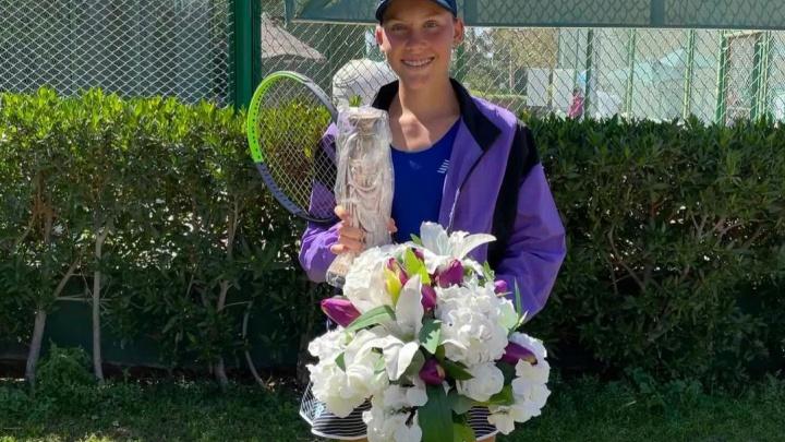 Теннисистка из Красноярска дошла до финала юношеского «Ролан Гаррос»