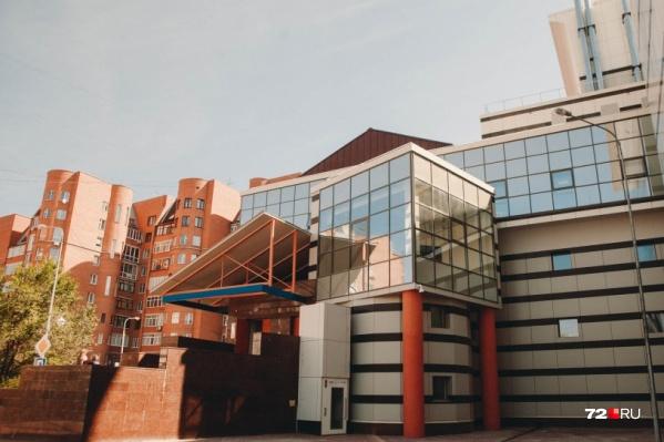 Музейный комплекс на улице Советской можно по праву считать самым легендарным тюменским долгостроем: возводить его начали еще в 1996 году