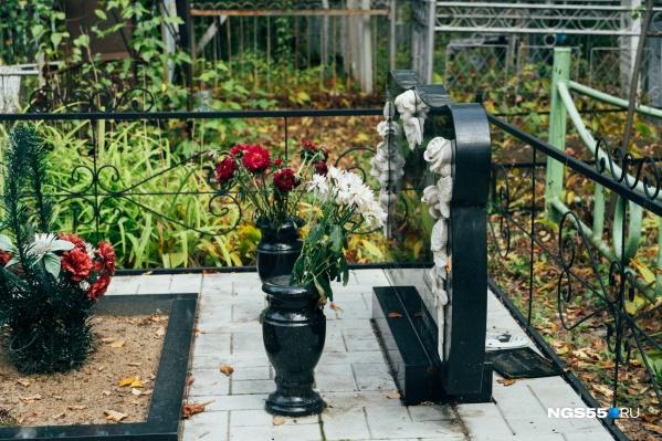 Размеры участков для двух захоронений уменьшатся на полтора метра