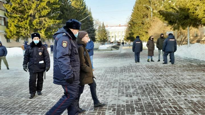 В Кургане на митинге в поддержку Навального задержали несколько человек
