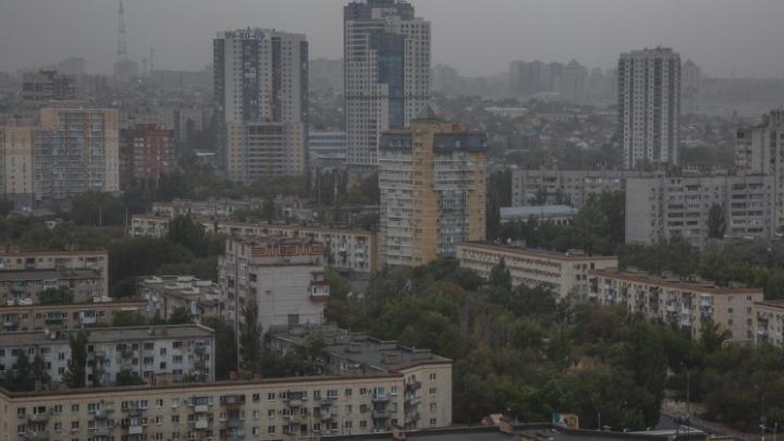 Периодически бросают, но возвращаются: Волгоград вошел в топ-10 самых курящих городов России