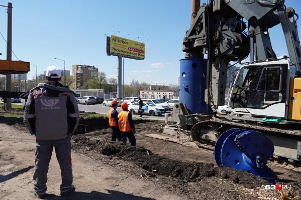 Исторический момент — начало строительства путепровода над улицей Советской Армии