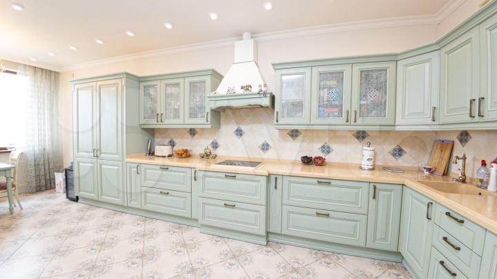 В Кемерово продают квартиру за 20 млн с роскошным видом на набережную. Показываем 20 фото изнутри