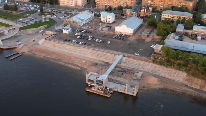 Осталась крыша, и готово: строительство нового причала в Самаре сняли на видео