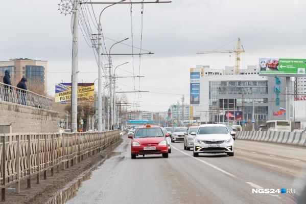 Водители «Яндекс.Такси» за определенные нарушения получают ограничение по заказам. Ранее оно было бессрочным