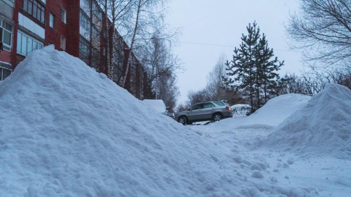 «Где моя тачка, чувак?»: последствия снегопада в Омске