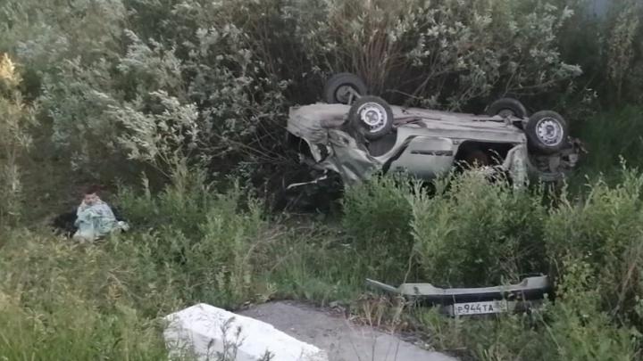 «Муж вылетел через лобовое стекло». В ГИБДД рассказали подробности пьяной аварии с Renault